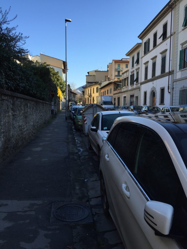 In case you were wondering what an average Florentine Street looks like, outside of tourist areas. This was about 50 minutes into the walk, near the edge of the city.