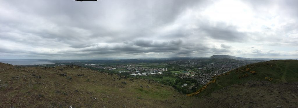 A pano looking south from my waiting place, with Arthur's Seat and Edinburgh behind me, and a southward bend of the Firth of Forth to my left.