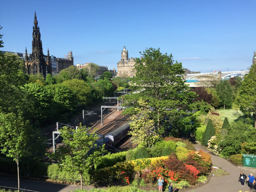 The Princes Street Gardens and the railroad run in parallel. Here, I'm looking from an overpass, east towards that bridge I was shooting from earlier.